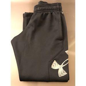 Boys Under Armour big logo fleece sweatpants, XS